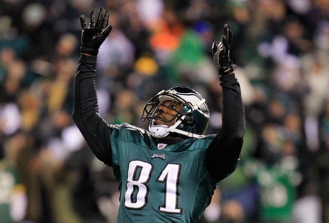 PHILADELPHIA, PA - JANUARY 09:  Jason Avant #81 of the Philadelphia Eagles celebrates his third quarter touchdown against the Green Bay Packers during the 2011 NFC wild card playoff game at Lincoln Financial Field on January 9, 2011 in Philadelphia, Penns