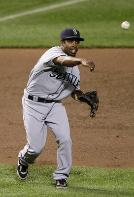 BALTIMORE, MD - MAY 12:  Chone Figgins #9 of the Seattle Mariners in action against the Baltimore Orioles at Oriole Park at Camden Yards on May 12, 2011 in Baltimore, Maryland.  (Photo by Rob Carr/Getty Images)