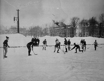 Mcgill_hockey_match_display_image