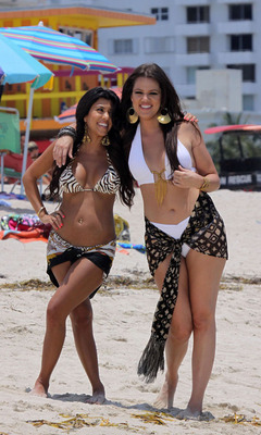 0624_kourtney-kardashian-florida-bikini-001_display_image