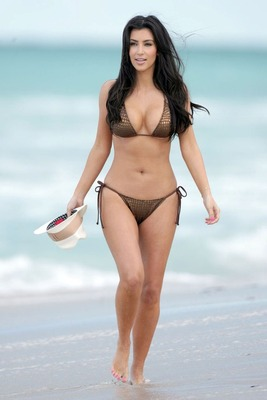 Kim-kardashian-no-clothes-6_display_image