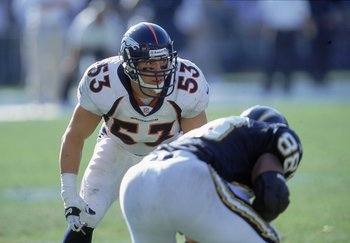 8 Oct 2000:   Bill Romanowski #53 of the Denver Broncos gets ready toi move at the snap as he is guarded by Fredie Jones #88 of the San Diego Chargers at Qualcom Stadium in San Diego, California.  The Broncos defeated the Chargers 21-7.Mandatory Credit: S