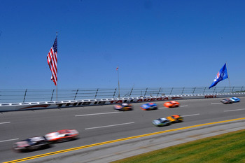 TALLADEGA, AL - APRIL 17: A general view of cars on the track during the NASCAR Sprint Cup Series Aaron's 499 at Talladega Superspeedway on April 17, 2011 in Talladega, Alabama.  (Photo by John Harrelson/Getty Images for NASCAR)