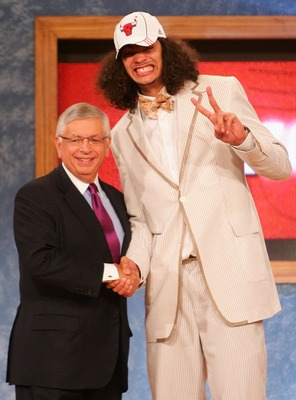NEW YORK - JUNE 28:  NBA Commissioner David Stern (L) poses for a photo with Joakim Noah of Florida after he was drafted ninth by the Chicago Bulls during the 2007 NBA Draft at the WaMu Theatre at Madison Square Garden June 28, 2007 in New York City. NOTE