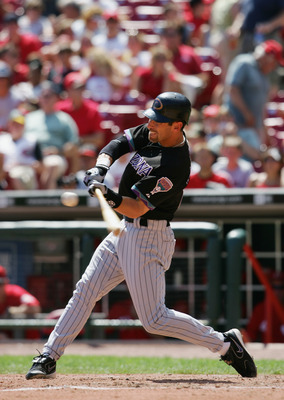 CINCINNATI, OH - AUGUST 21:  Luis Gonzalez #20 of the Arizona Diamondbacks at bat against the Cincinnati Reds during the MLB game on August 21, 2005 at Great American Ballpark in Cincinnati, Ohio.  The Reds won 13-6 . (Photo by Andy Lyons/Getty Images)