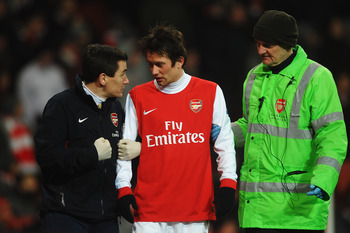 LONDON, UNITED KINGDOM - MARCH 02:  Tomas Rosicky of Arsenal goes off injured during the FA Cup sponsored by E.ON 5th Round Replay match between between Arsenal and Leyton Orient at the Emirates Stadium on March 2, 2011 in London, England.  (Photo by Laur