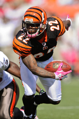 CINCINNATI, OH - OCTOBER 10: Johnathan Joseph #22 of the Cincinnati Bengals returns an interception against the Tampa Bay Buccaneers at Paul Brown Stadium on October 10, 2010 in Cincinnati, Ohio. (Photo by Jamie Sabau/Getty Images)