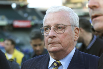 14 Jan 2001:  Owner Art Modell of the Baltimore Ravens walks across the field after beating the Oakland Raiders 16-3 in the AFC Championship at Network Associates Coliseum in Oakland, California.  DIGITAL IMAGE Mandatory Credit: Brian Bahr/ALLSPORT