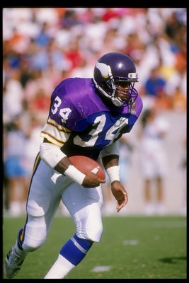 12 Nov 1989:  Running back Herschel Walker of the Minnesota Vikings runs with the ball during a game against the Tampa Bay Buccaneers at Tampa Stadium in Tampa, Florida.  The Vikings won the game 24-10. Mandatory Credit: Scott Halleran  /Allsport