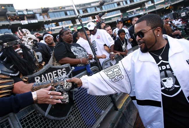 OAKLAND, CA - SEPTEMBER 14:  Actor Ice Cube greets fans of the Oakland Raiders prior to the Raiders playing against the San Diego Chargers on September 14, 2009 at the Oakland-Alameda County Coliseum in Oakland, California.  (Photo by (Ezra Shaw/Getty Ima