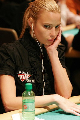 Erica-schoenberg-poker_display_image