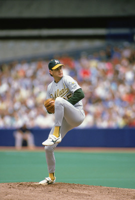 1990:  Bob Welch #35 of the Oakland Athletics pulls back for the pitch during a game in the 1990 season. Bob Welch played for the Oakland Athletics from 1988 to 1994. (Photo by Rick Stewart/Getty Images)