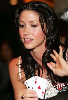 Shannon_elizabeth_aussie_poker_big1_display_image