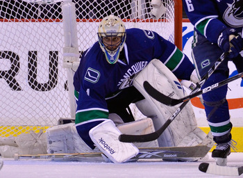 VANCOUVER, CANADA - MAY 24:  Goaltender Roberto Luongo #1 of the Vancouver Canucks defends his net in Game Five of the Western Conference Finals against the San Jose Sharks during the 2011 Stanley Cup Playoffs at Rogers Arena on May 24, 2011 in Vancouver,
