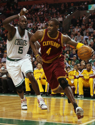 BOSTON, MA - JANUARY 25:  Antawn Jamison #4 of the Cleveland Cavaliers drives to the basket as  Kevin Garnett #5 of the Boston Celtics defends on January 25, 2011 at the TD Garden in Boston, Massachusetts.   NOTE TO USER: User expressly acknowledges and a