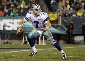 PHILADELPHIA, PA - JANUARY 02:  Stephen McGee #7 of the Dallas Cowboys runs the ball against the Philadelphia Eagles on January 2, 2011 at Lincoln Financial Field in Philadelphia, Pennsylvania. The Cowboys defeated the Eagles 14-13.  (Photo by Jim McIsaac