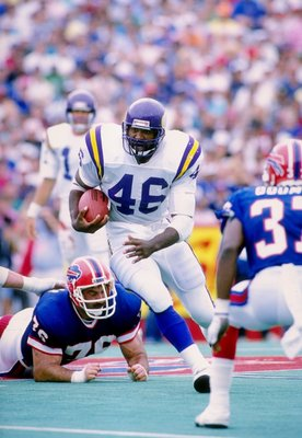 4 Sep 1988: Fullback Alfred Anderson of the Minnesota Vikings runs with the ball during a game against the Buffalo Bills at Rich Stadium in Orchard Park, New York. The Bills won the game 13-10.