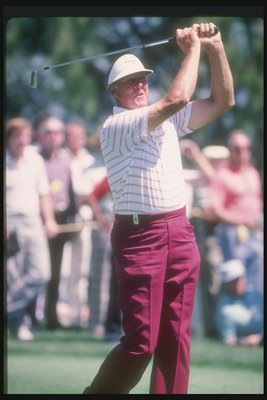 1985:  Mike Souchak follows through with the swing at the Tuscon Open. Mandatory Credit: Allsport  /Allsport
