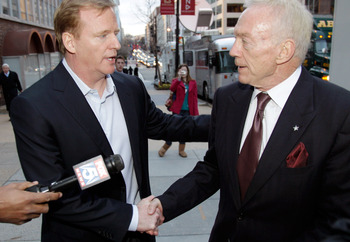 WASHINGTON, DC - MARCH 11:  NFL Commissioner Roger Goodell (L) and Dallas Cowboys owner Jerry Jones (R) talk outside the Federal Mediation and Conciliation Service building March 11, 2011 in Washington, DC. The NFLPA has filed for decertification and will