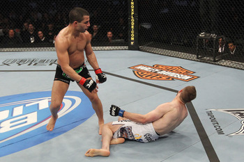 Ufc129_02_makdessi_vs_watson_004spinningbackfist_display_image_display_image