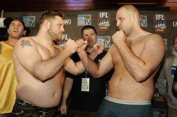Roy Nelson (left) faces off with Ben Rothwell (right) in hype of their bout at IFL: Moline in April 2007.