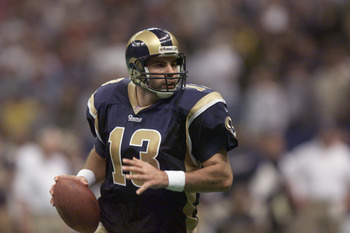 17 Dec 2001: Quarterback Kurt Warner of the St.Louis Rams during the game against the New Orleans Saints at Louisiana Superdome in New Orleans, Louisiana. The Rams won 34-21. DIGITAL IMAGE. Mandatory Credit: Craig Jones/Getty Images