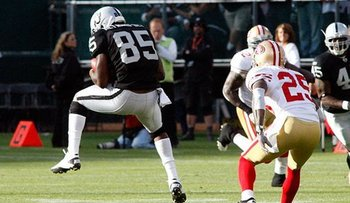 082810_raidersvs49ers1--nfl_medium_540_360_display_image