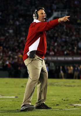 PASADENA, CA - JANUARY 01:  Head coach Bret Bielema of the Wisconsin Badgers stands on the field during the game against the TCU Horned Frogs in the 97th Rose Bowl game on January 1, 2011 in Pasadena, California.  (Photo by Jeff Gross/Getty Images)
