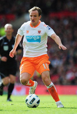 MANCHESTER, ENGLAND - MAY 22:  David Vaughan of Blackpool in action during the Barclays Premier League match between Manchester United and Blackpool at Old Trafford on May 22, 2011 in Manchester, England.  (Photo by Shaun Botterill/Getty Images)