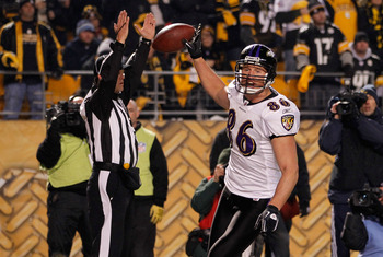 PITTSBURGH, PA - JANUARY 15:  Tight end Todd Heap #86 of the Baltimore Ravens celebrates after scoring on a four-yard touchdown pass against the Pittsburgh Steelers in the second quarter of the AFC Divisional Playoff Game at Heinz Field on January 15, 201