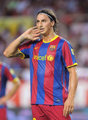 SEVILLE, SPAIN - AUGUST 14: : Zlatan Ibrahimovic of Barcelona waits for a corner kick to be taken during the Supercopa, first leg, match between Sevilla and Barcelona at the Sanchez Pizjuan stadium on August 14, 2010 in Seville, Spain. (Photo by Denis Doy