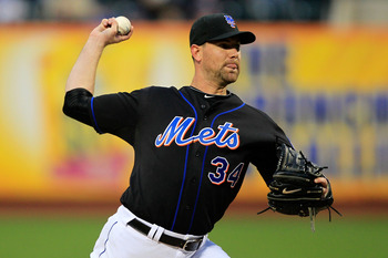 NEW YORK, NY - APRIL 22: Mike Pelfrey #34 of the New York Mets pitches against the Arizona Diamondbacks at Citi Field on April 22, 2011 in the Flushing neighborhood of the Queens borough of New York City.  (Photo by Chris Trotman/Getty Images)