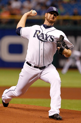 ST PETERSBURG, FL - APRIL 21:  Pitcher Jeff Niemann #34 of the Tampa Bay Rays pitches against the Chicago White Sox during the game at Tropicana Field on April 21, 2011 in St. Petersburg, Florida.  (Photo by J. Meric/Getty Images)