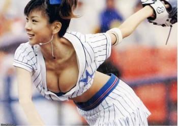 Asian-baseball-boobs-cleavage-girl-japanese-sexy-softball-uniform-sexy