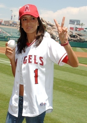 Eva_longoria_baseball1_display_image_display_image
