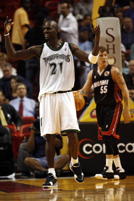 MIAMI - MARCH 9:  Forward Kevin Garnett #21 of the Minnesota Timberwolves reacts to a foul against the Miami Heat at the American Airlines Arena March 9, 2007 in Miami, Florida. NOTE TO USER: User expressly acknowledges and agrees that, by downloading and