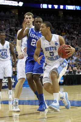 NEWARK, NJ - MARCH 27:  Kendall Marshall #5 of the North Carolina Tar Heels in action against Doron Lamb #20 of the Kentucky Wildcats during the east regional final of the 2011 NCAA men's basketball tournament at Prudential Center on March 27, 2011 in New