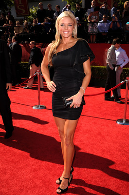 LOS ANGELES, CA - JULY 14:  USA Softball Olympian Jennie Finch arrives at the 2010 ESPY Awards at Nokia Theatre L.A. Live on July 14, 2010 in Los Angeles, California.  (Photo by Jason Merritt/Getty Images)