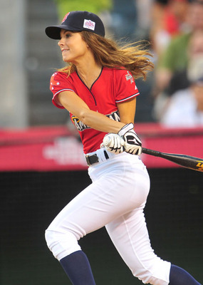 Maria-menounos-baseball_display_image