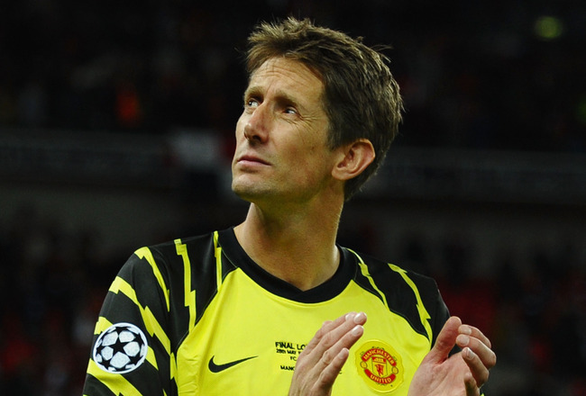 LONDON, ENGLAND - MAY 28:  Edwin van der Sar of Manchester United shows his dejection after the UEFA Champions League final between FC Barcelona and Manchester United FC at Wembley Stadium on May 28, 2011 in London, England. Edwin van der Sar will retire