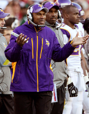 LANDOVER, MD - NOVEMBER 28:  Minnesota Vikings Interim Head Coach Leslie Frazier talks to referees from the sideline while playing the Washington Redskins at FedExField November 28, 2010 in Landover, Maryland. The Vikings won the game 17-13.  (Photo by Wi