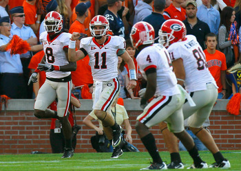 AUBURN, AL - NOVEMBER 13:  Quarterback Aaron Murray #11 and A.J. Green #8 of the Georgia Bulldogs celebrate after Murray's deep touchdown pass to Green against the Auburn Tigers at Jordan-Hare Stadium on November 13, 2010 in Auburn, Alabama.  (Photo by Ke