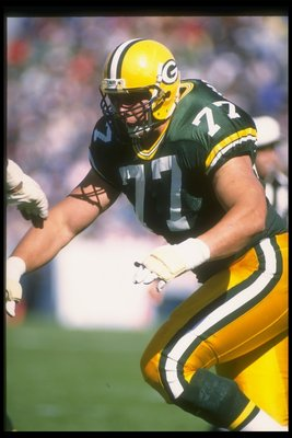 8 Oct 1989:  Offensive lineman Tony Mandarich of the Green Bay Packers moves down the field during a game against the Dallas Cowboys at Lambeau Field in Green Bay, Wisconsin.  The Packers won the game, 31-13. Mandatory Credit: Jonathan Daniel  /Allsport