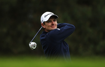 VIRGINIA WATER, ENGLAND - MAY 27:  Justin Rose of England tees off on the 6th hole during the second round of the BMW PGA Championship at the Wentworth Club on May 27, 2011 in Virginia Water, England.  (Photo by Warren Little/Getty Images)
