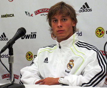 Sergio_canales-press-conference-real-madrid_display_image