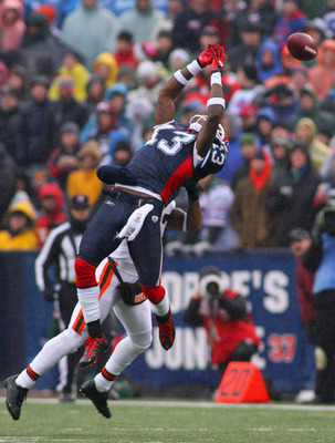 ORCHARD PARK, NY - DECEMBER 12: Steve Johnson #13 of the Buffalo Bills jumps but can't make a catch against the Cleveland Browns at Ralph Wilson Stadium on December 12, 2010 in Orchard Park, New York.  (Photo by Rick Stewart/Getty Images)