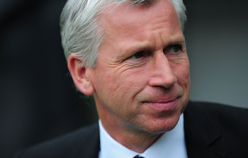 NEWCASTLE UPON TYNE, ENGLAND - MAY 07:  Newacstle manager Alan Pardew looks on before the Barclays Premier League game between Newcastle United and Birmingham City at St James' Park on May 7, 2011 in Newcastle upon Tyne, England.  (Photo by Stu Forster/Ge