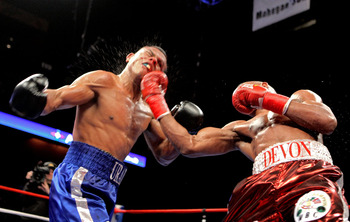 Devon-alexander-vs-juan-urango-21_display_image