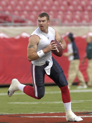 TAMPA, FL - AUGUST 30: Quarterback Jared Zabransky #15 of the Houston Texans warms up before play against the Tampa Bay Buccaneers during a pre-season game at Raymond James Stadium on August 30, 2007 in Tampa, Florida.  The Bucs won 31-24. (Photo by Al Me