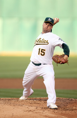 OAKLAND, CA - JULY 19:  Ben Sheets #15 of the Oakland Athletics pitches against the Boston Red Sox at the Oakland-Alameda County Coliseum  on July 19, 2010 in Oakland, California.  (Photo by Ezra Shaw/Getty Images)